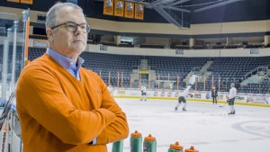 Lamar Hunt Jr. watches the Missouri Mavericks